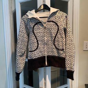 Lululemon Scuba black/white zippered hoodie.Size 6